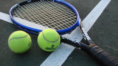 How to choose a tennis racket for women tennis players?